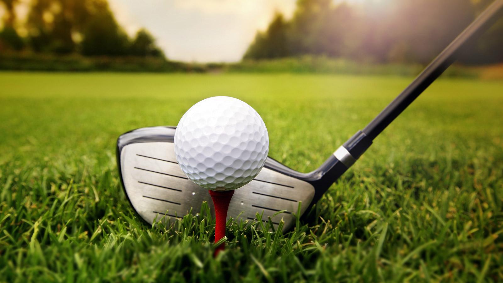 Giocare a golf, tra salute e lusso