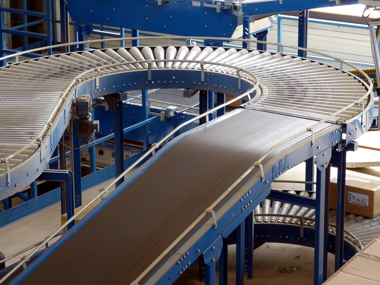 L'utilità dei nastri trasportatori nelle aziende di produzione